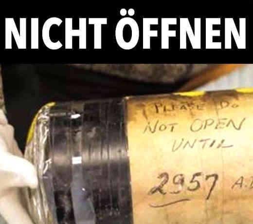 Ein unglaubliches Video über Funde von Zeitkapseln, es ist durchaus möglich das diese viel später geöffnet werden.