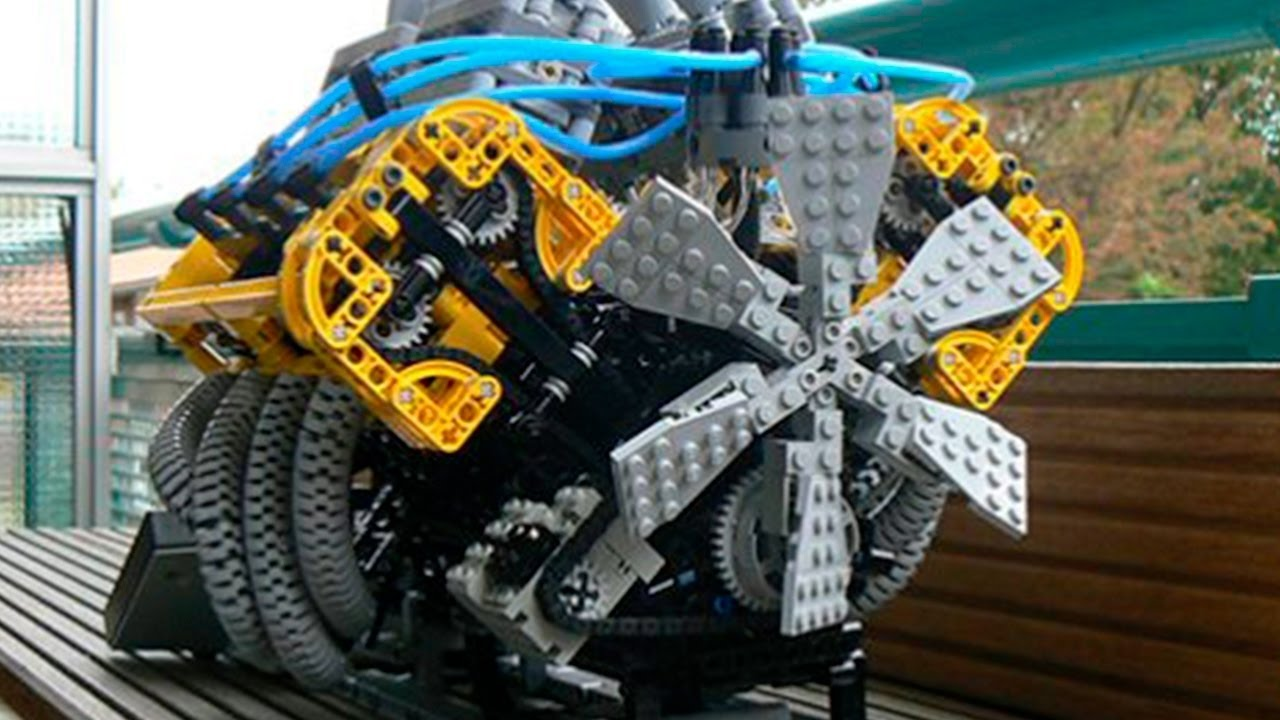 Wenn man aus Lego Schon nach Anleitung bauen kann, dann kann man auch selber Lego Maschinen bauen.